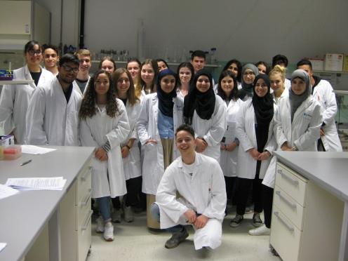 Einer unserer Bio-LKs (Q 2) zu Besuch im Lernlabor in Heidelberg.